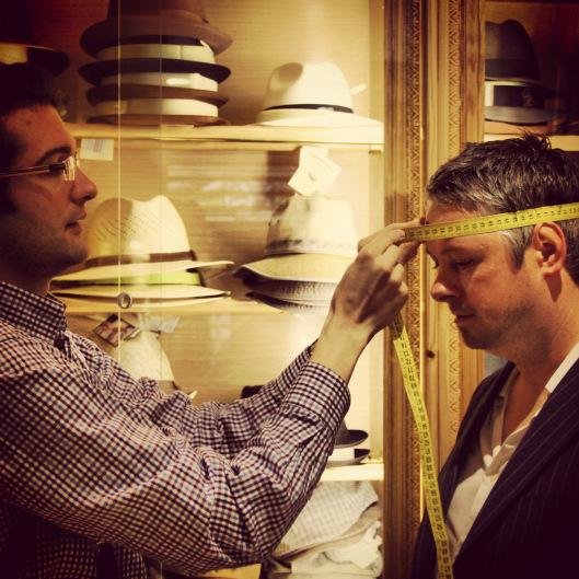 cómo calcular la talla para un sombrero o gorra