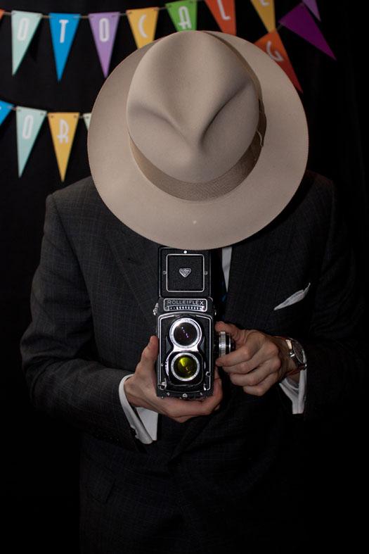 Sombrero de castor 100% y cámara rolleiflex